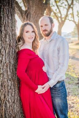 Maternity-Couple-18